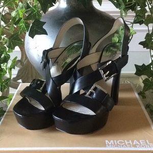 Excellent condition Michael Kors Shoes